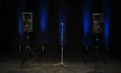 RCF komplekt mikrofoniga